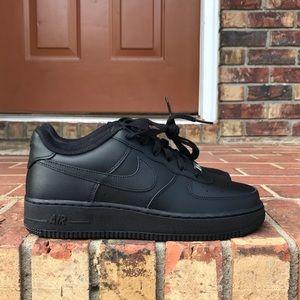 Nike Air Force One Black Low GS sz 6.5Y
